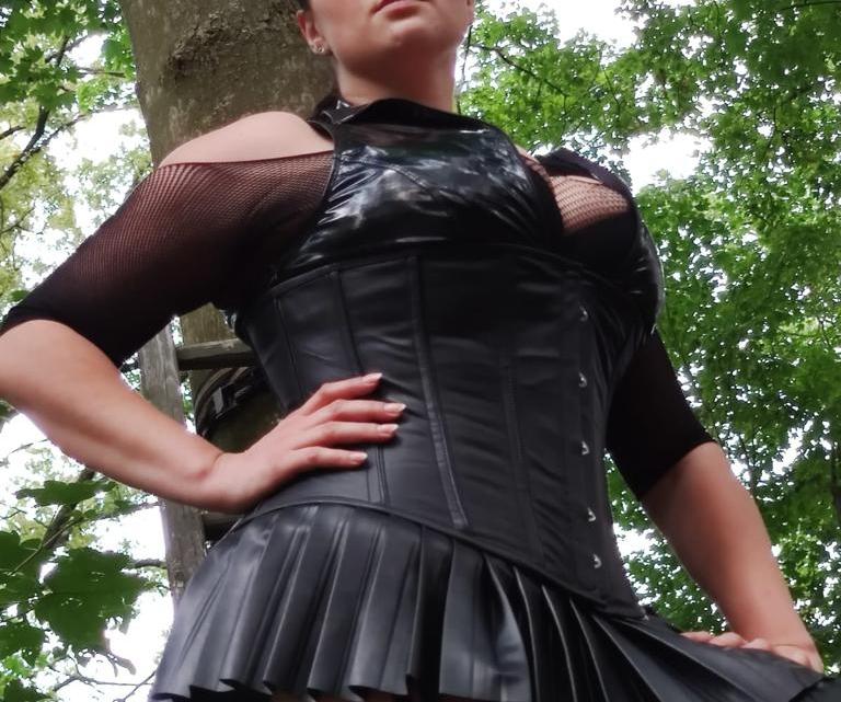 Lady Alexa- Fußerotikspecial und 3 neue Bilder in der Galerie