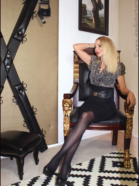 Lady Caprice – neue Bilder online!